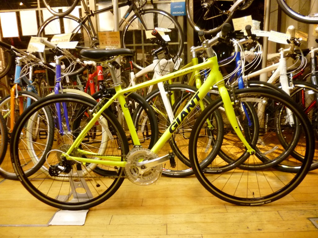 /ジャイアント ESCAPE R3【自転車 ...