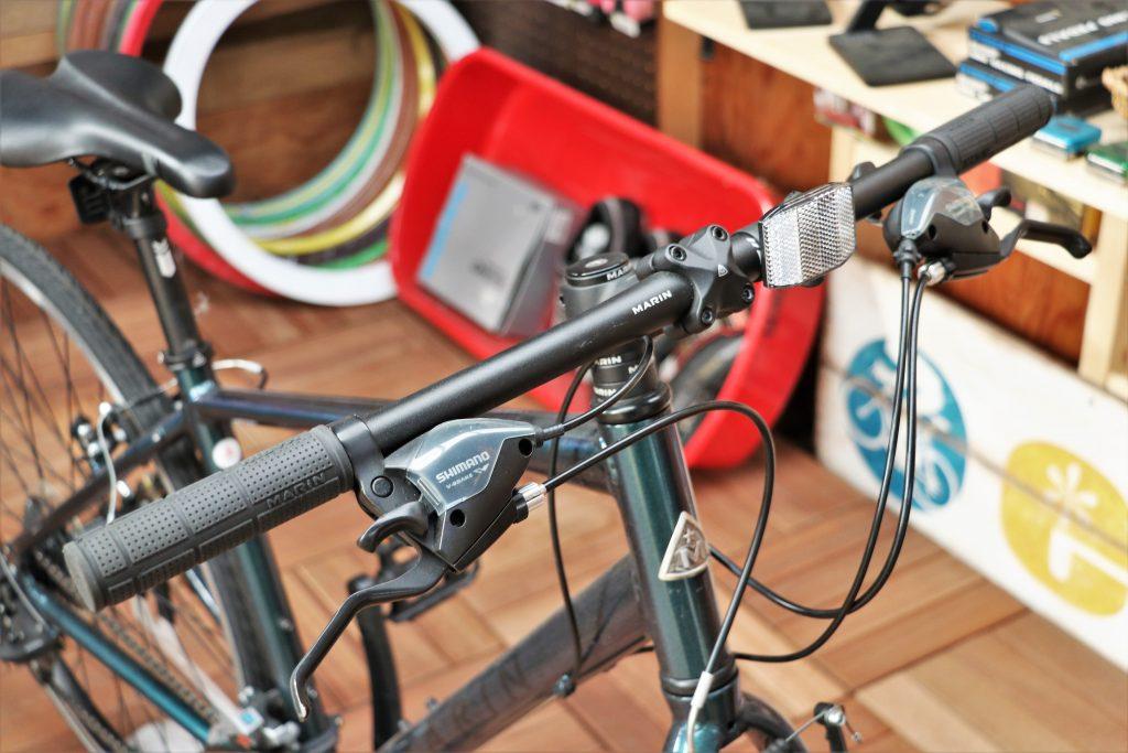 街乗りの定番クロスバイク!MARINの30周年記念カラーモデル【MARIN CORTE MADERA】ハンドル