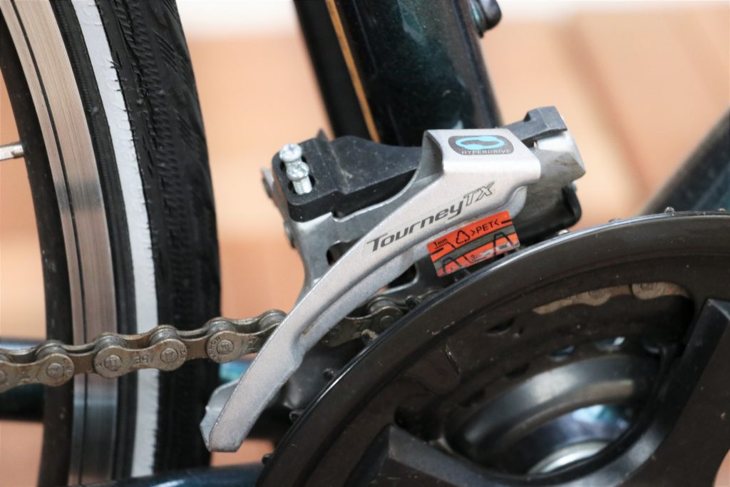 街乗りの定番クロスバイク!MARINの30周年記念カラーモデル【MARIN CORTE MADERA】フロントディレーラー