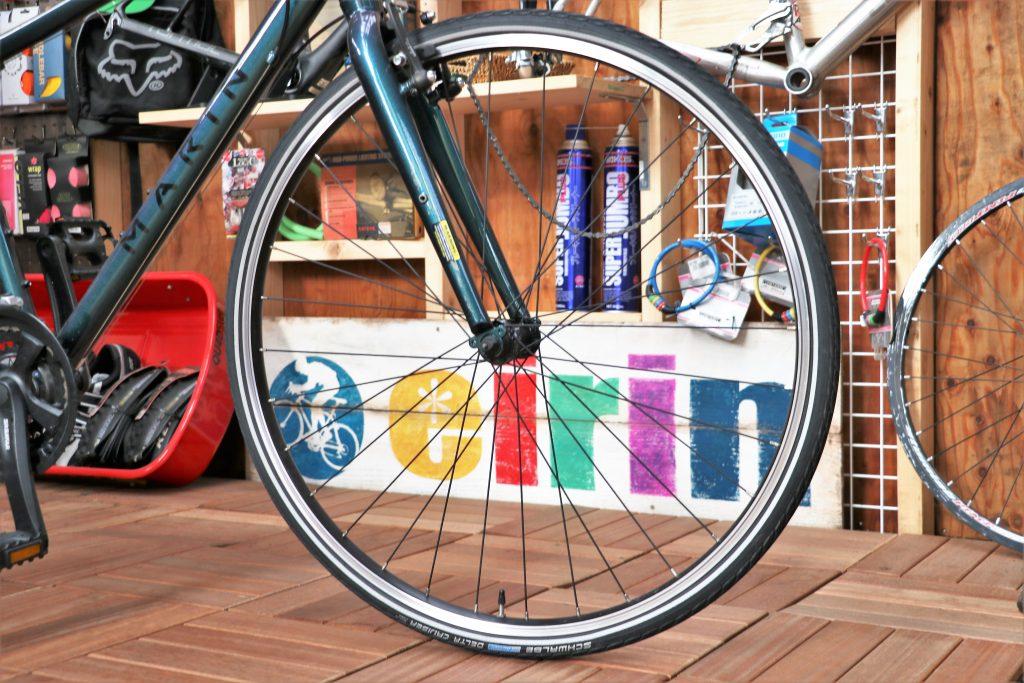 街乗りの定番クロスバイク!MARINの30周年記念カラーモデル【MARIN CORTE MADERA】ホイール