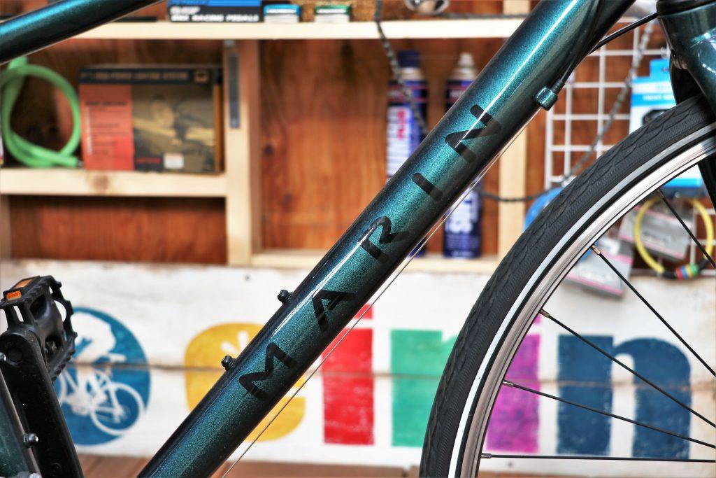街乗りの定番クロスバイク!MARINの30周年記念カラーモデル【MARIN CORTE MADERA】ダウンチューブ