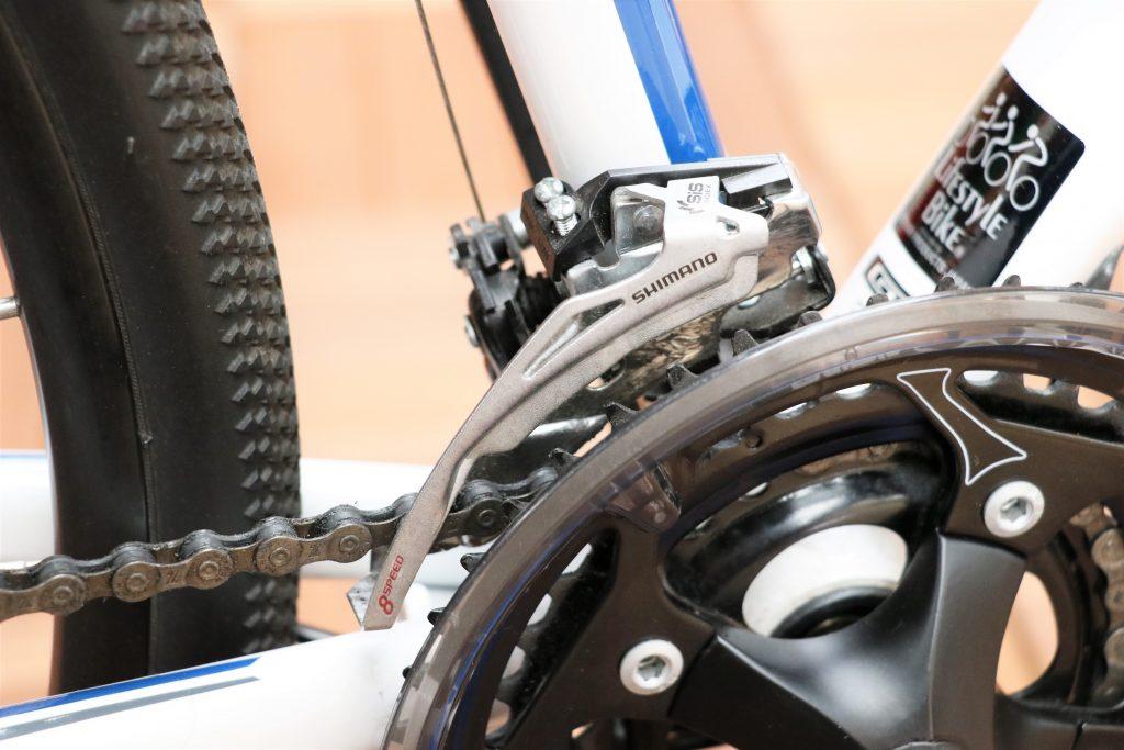 普段の街乗りから休日のオフロードサイクリングなど様々な楽しみ方が出来るクロスバイク!!【2015.GT TRANSEO4.0】